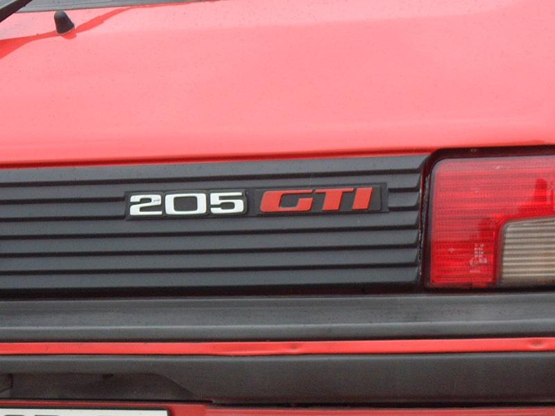 [NicoGTI38] Ma GTI rouge nacrée [Nouvelles photos page2] 101013090136476906914915