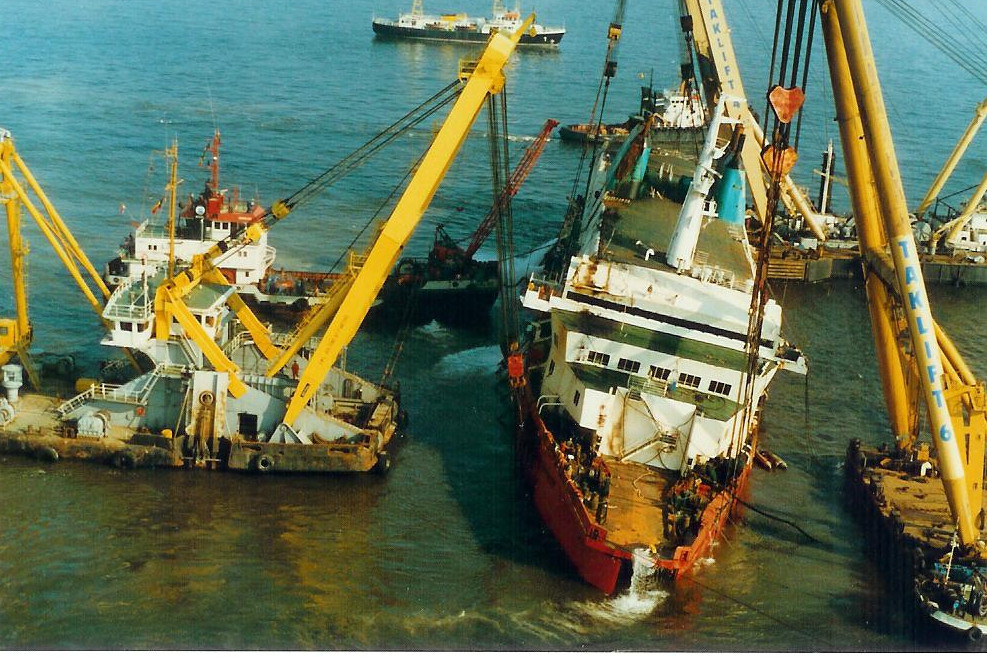 Le drame du Herald of Free Enterprise - Zeebrugge 6/03/1987 - Page 2 1010171114411050246936818