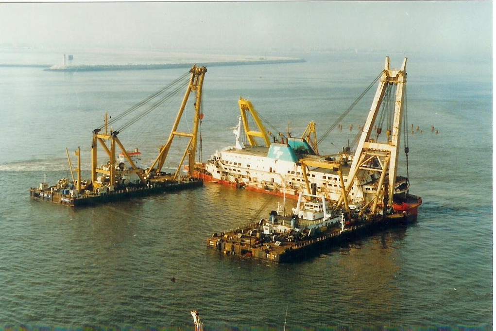 Le drame du Herald of Free Enterprise - Zeebrugge 6/03/1987 - Page 2 1010171114411050246936820