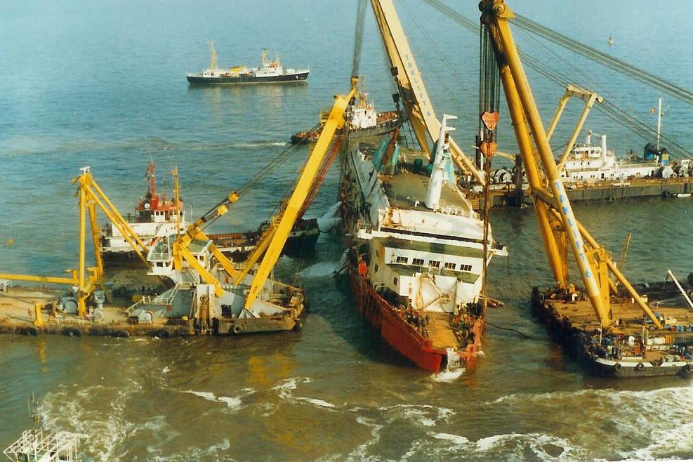 Le drame du Herald of Free Enterprise - Zeebrugge 6/03/1987 - Page 2 1010171114411050246936821