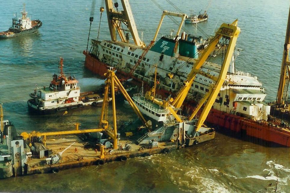 Le drame du Herald of Free Enterprise - Zeebrugge 6/03/1987 - Page 2 1010171114411050246936824