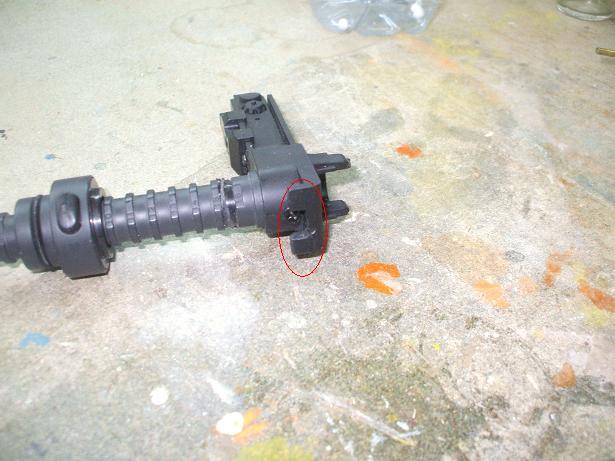 Reparation et renforcement d'un FAMAS (coque) BlackA 101019083054535826953144