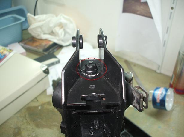 Reparation et renforcement d'un FAMAS (coque) BlackA 101019083054535826953145