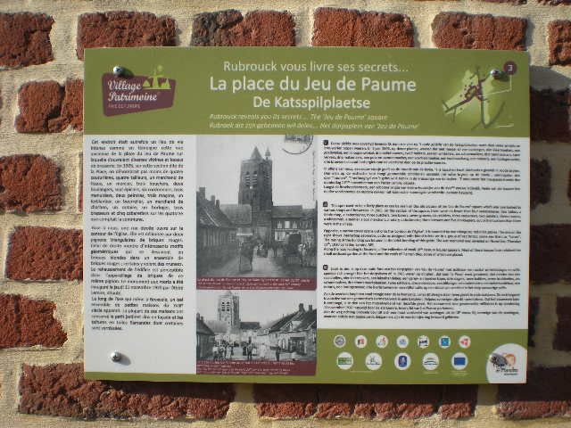 Drietalige & viertalige borden van 'Village Patrimoine' 101031070618970737030565