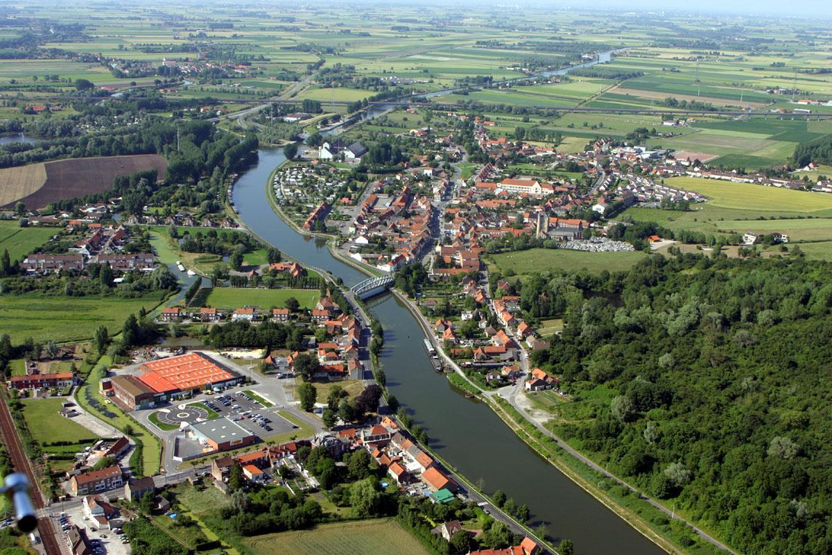 Aan de rand van Frans-Vlaanderen 101115113635970737125375