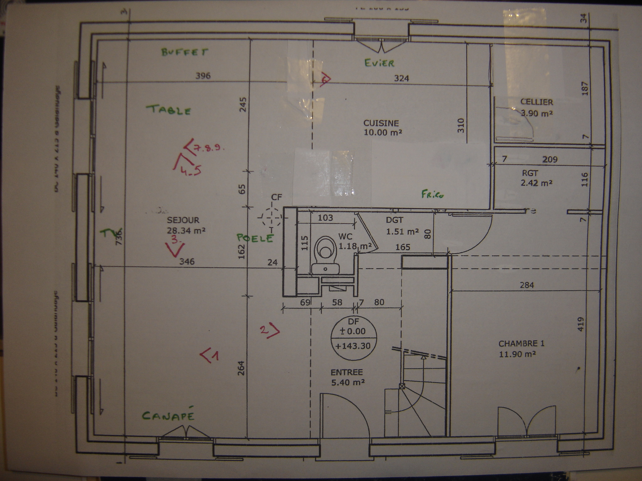 besoin d\'aide pour espace salon/sam/cuisine,p4 suite escalier - Page 1